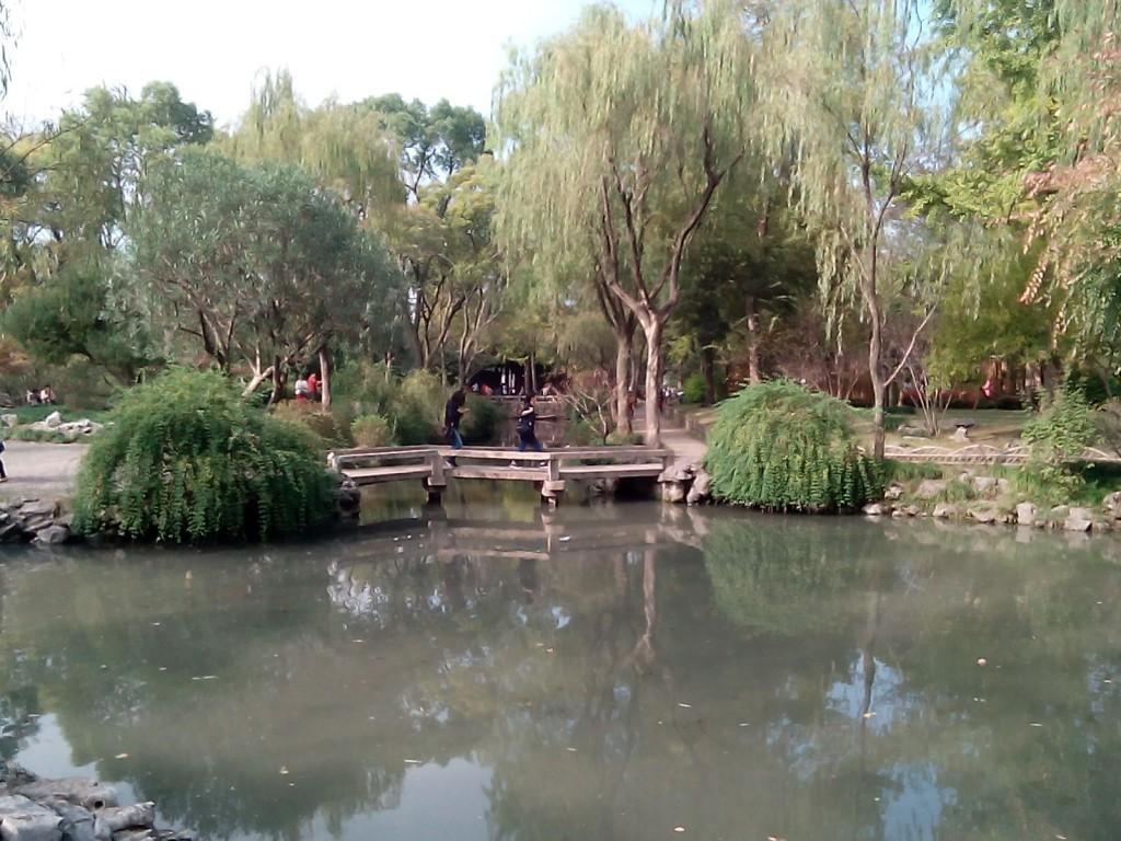 Flott natur - selv om vi ankom Suzhou sent på høsten. Foto: Reisetilkina.com