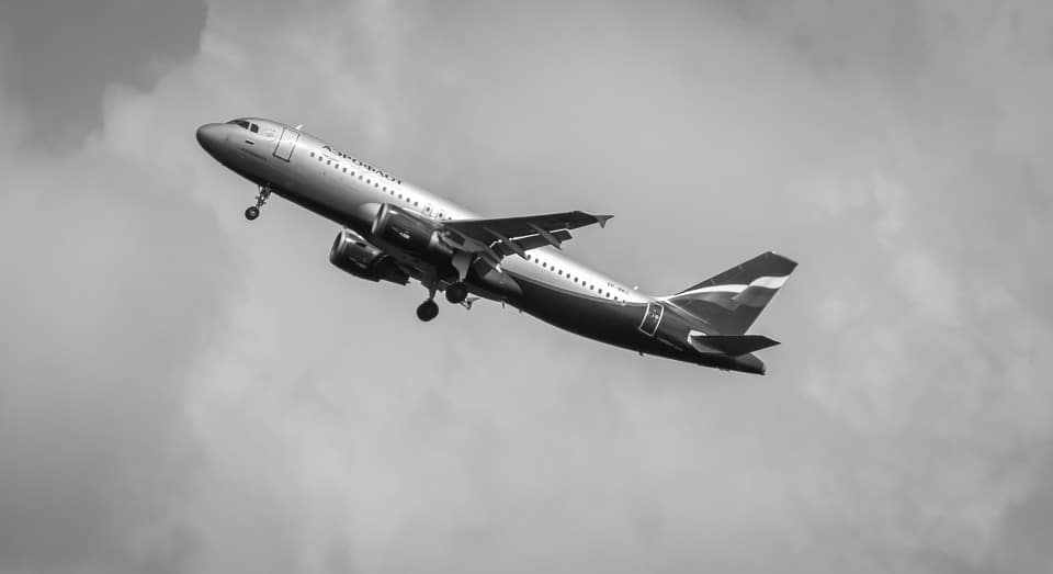 the-plane-613826_960_720