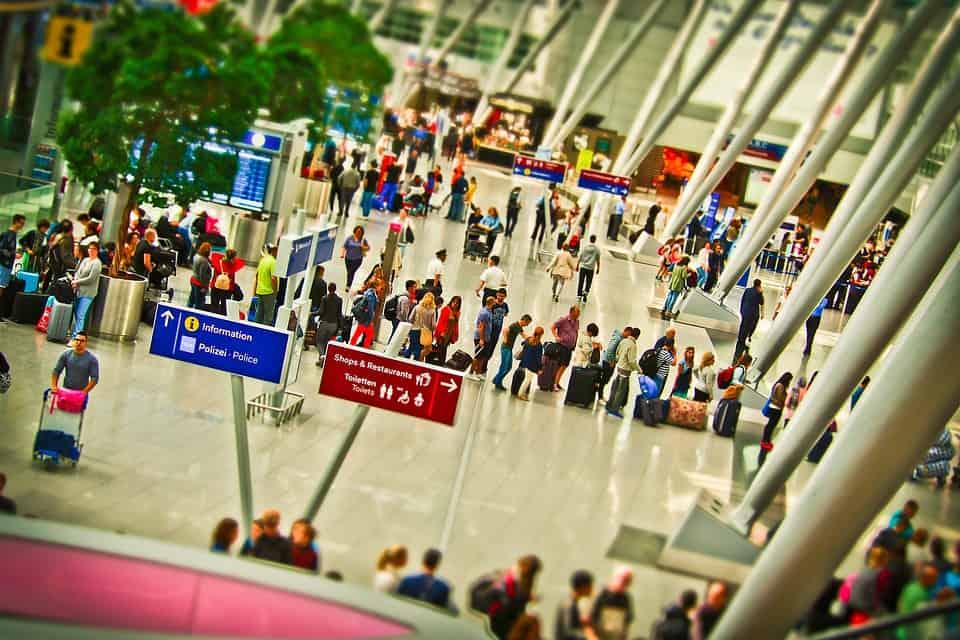 airport-1515434_960_720