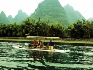 Storslått natur fra Guilin, Kina. Her ble Avatar-filmen spilt inn. Foto er tatt i august måned. Foto: Reisetilkina.com