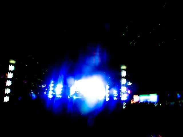 Heftig lysshow over hele scenen. Foto: Reisetilkina.com