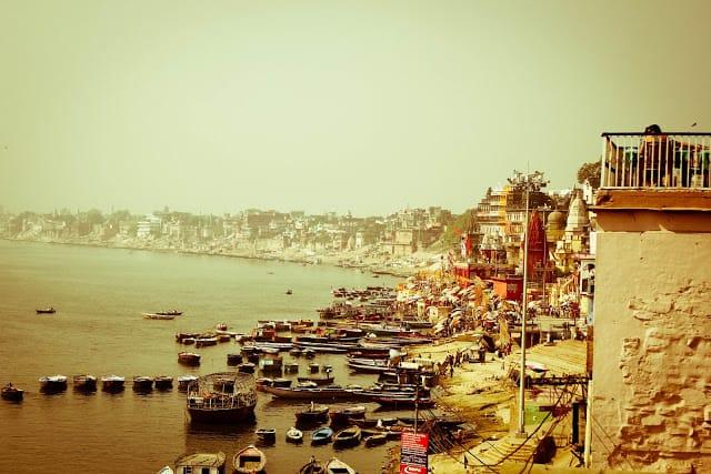Flott havn i Varanasi tidlig på morgenen. Foto: Reisetilkina.com