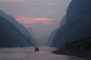Solnedgang ved Yangtze-elven.